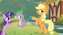 Applejack scared S01E15