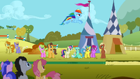 Rainbow Dash's long jump attempt S01E13