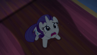 Tapestry about to fall on Rarity S04E03