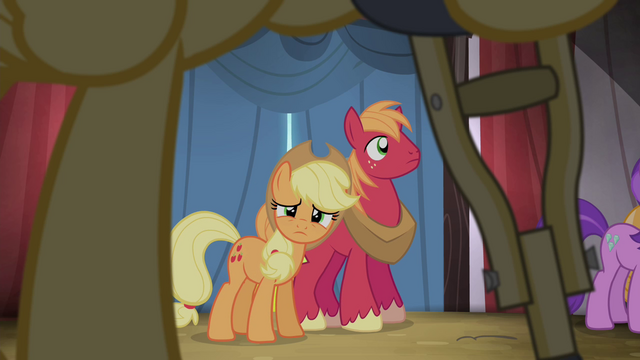 File:Applejack looking S4E20.png