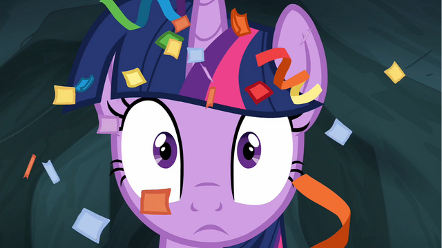 File:Twilight Sparkle with streamers in hair S4E22.png