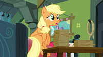 Applejack gets up S3E08