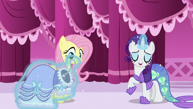 "File:Rarity ""all the rage this year"" S5E21.png"
