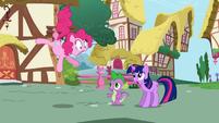 Pinkie Pie Twilight Sparkle first meet S1E01