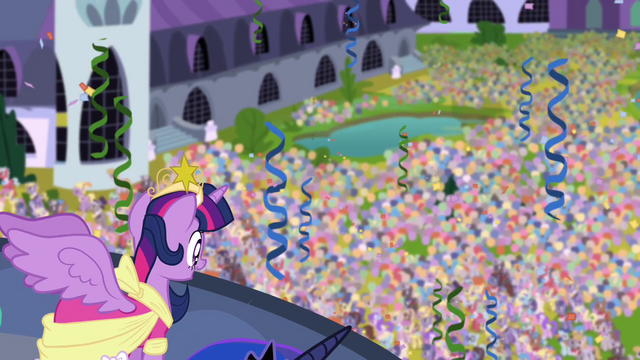 File:Twilight looks over her subjects S03E13.png