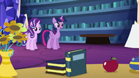 Twilight begins Starlight's transfiguration lesson S6E21