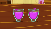 CMC's glasses of totally not love concoction S2E17.png
