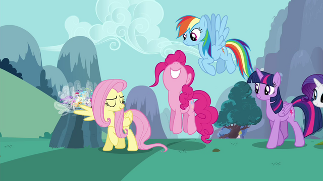 "File:Pinkie Pie ""that was amazing!"" S4E16.png"