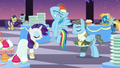 Rarity talks; Rainbow facehoof S5E15.png