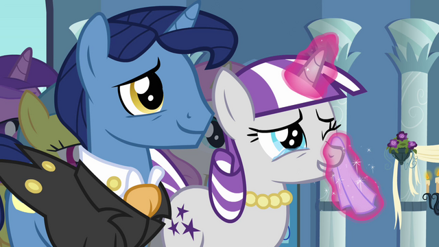 File:Twilight Velvet dabbing eyes S2E26.png