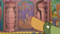 Quibble Pants points to third door S6E13