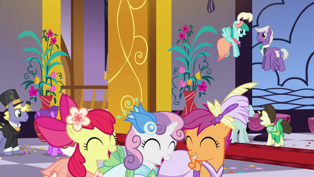 File:Cutie Mark Crusaders enter the Gala S5E7.png