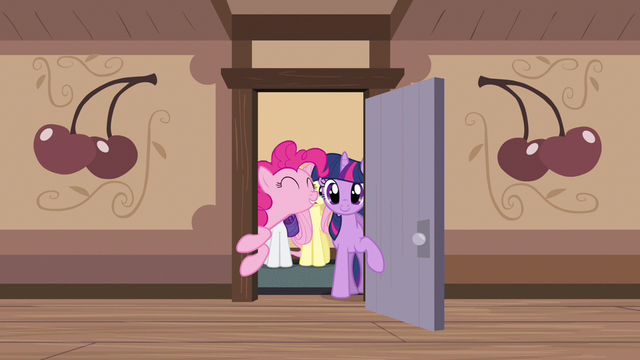 File:Pinkie Pie good morning S2E14.png