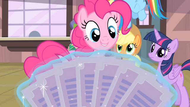 File:Pinkie Pie 'A paper fan!' S4E08.png