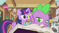 Twilight dictating friendship lesson to Spike S4E11