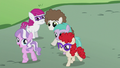 Foals following Diamond Tiara S5E18.png