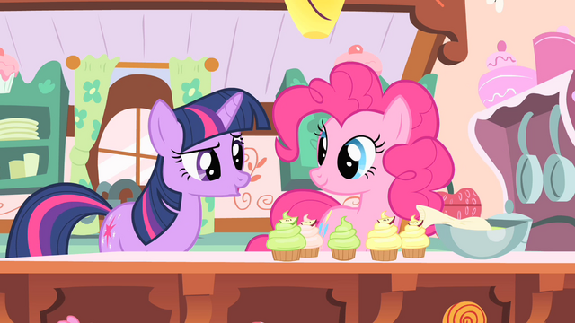 File:Pinkie Pie making cupcakes S1E20.png