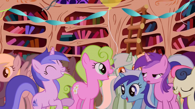 File:Popular background ponies S01E01.png