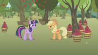 "Twilight ""apple-what season?"" S1E04"