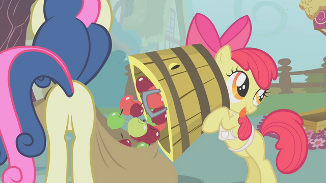 File:Apple Bloom dumps apples in Sweetie Drops's bag S01E12.png