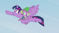 Spike thanks Twilight for the save S5E25