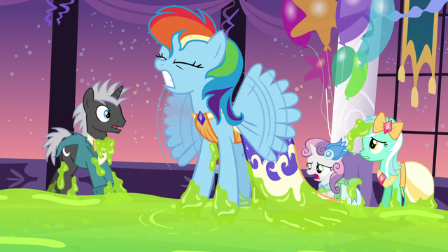 File:Rainbow Dash stuck in the slime S5E7.png