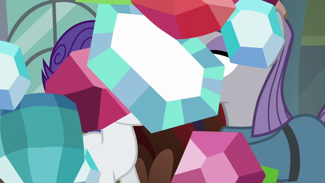 File:Raining jewels scene transition S6E3.png
