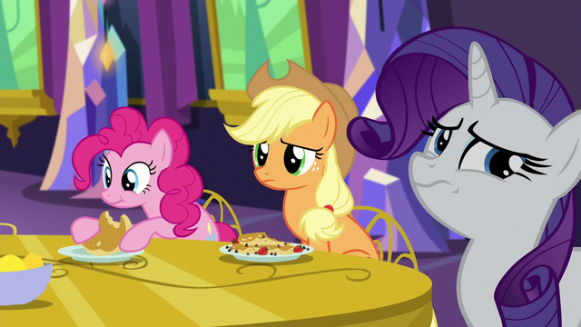 File:Applejack and Rarity concerned S5E3.png