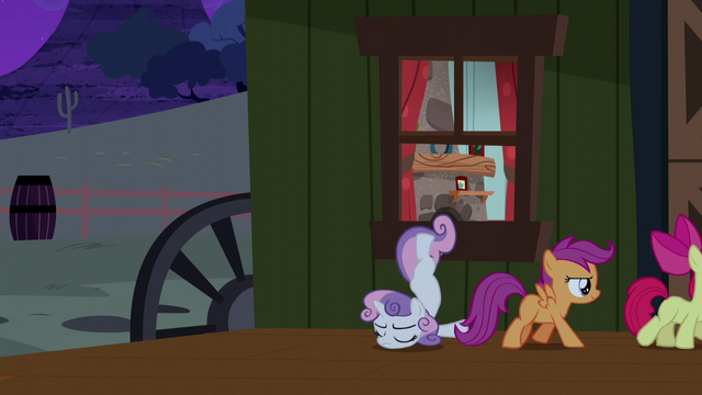 File:Cutie Mark Crusaders sneak out of the house S5E6.png