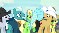 Appleloosa ponies getting restless S5E6