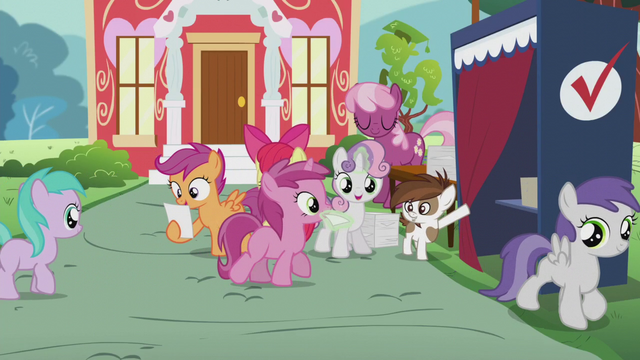 File:Sweetie Belle gives Ruby Pinch a ballot paper S5E18.png