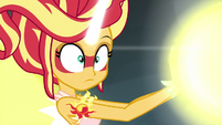 Daydream Shimmer realizing Midnight Sparkle is distracted EG3