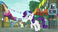 Rarity imitating Pinkie Pie S6E3