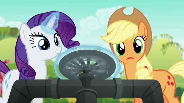File:Rarity magically turning the master valve S6E10.png