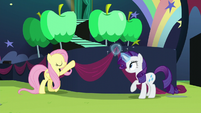 Fluttershy and Rarity putting up decorations S5E24