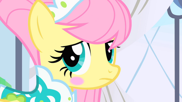 File:Fluttershy looks to her side S1E20.png