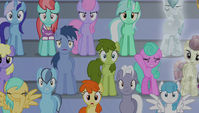 Crowd shocked at Spike's singing 1 S4E24