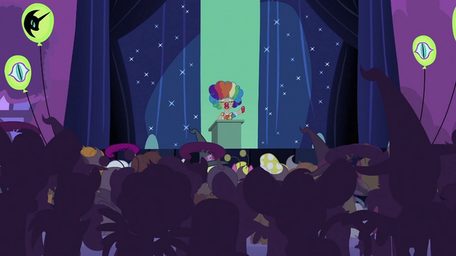File:Mayor on the stage S2E04.png