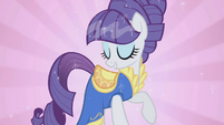 Rarity's grace and beauty S01E06