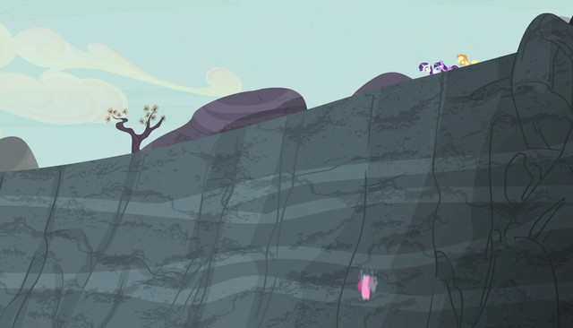 File:Pinkie's friends watch her roll S5E1.png