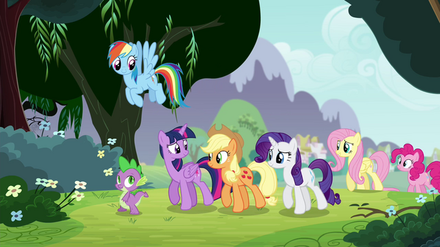 File:Twilight smiling at her friends S4E25.png