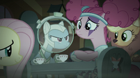 Rainbow Dash glaring at Pinkie S5E21