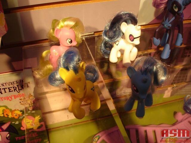 File:ASM's Toy Fair 2012 3.jpg