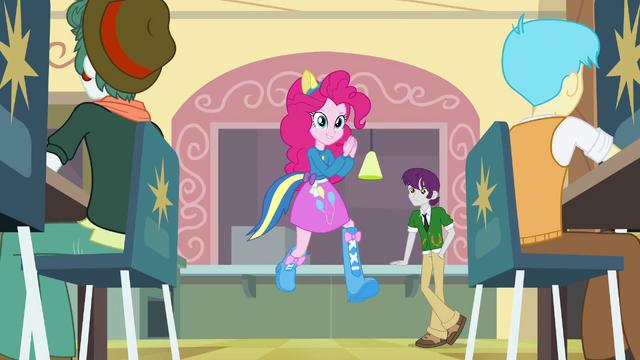 File:Pinkie Pie running EG.png