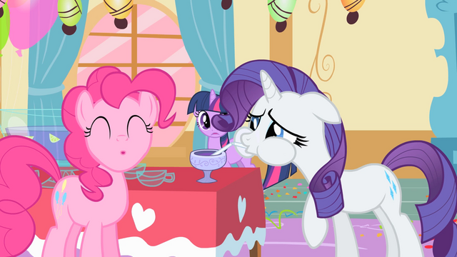 File:Rarity Pinkie Pie False Drink S1E25.png