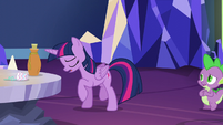Twilight almost admits to being jealous S5E22