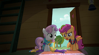 "Scootaloo ""what are you doing sitting in the dark?"" S6E4"