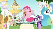 Everypony staring at Pinkie Pie S2E24