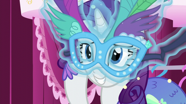 File:Rarity levitates mask in front of her face S5E21.png