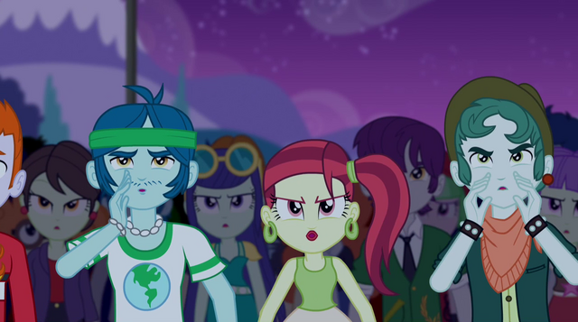 File:Audience booing at the Dazzlings EG2.png